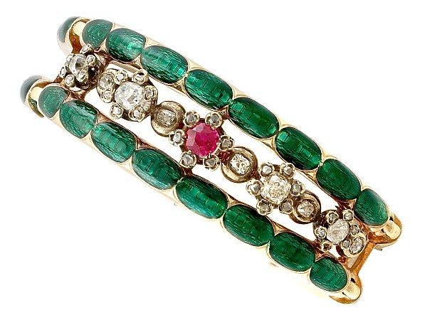 5 bracelet trends for 2020