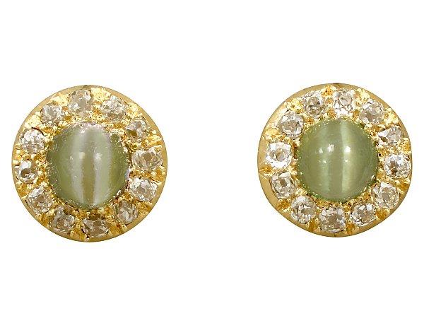 Earrings to Match a Green Dress