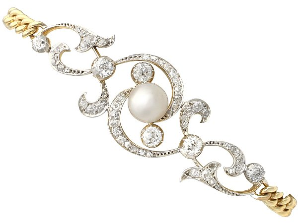 Combining Pearls and Yellow Gold