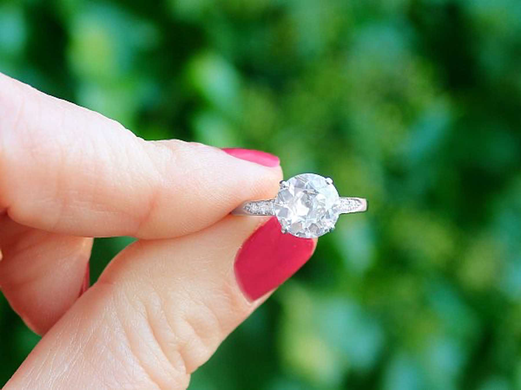 A Trusted Guide to Buying Diamonds Online