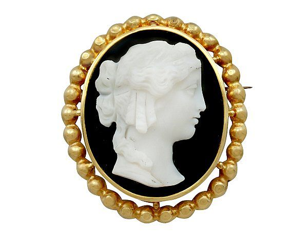How to style a cameo brooch
