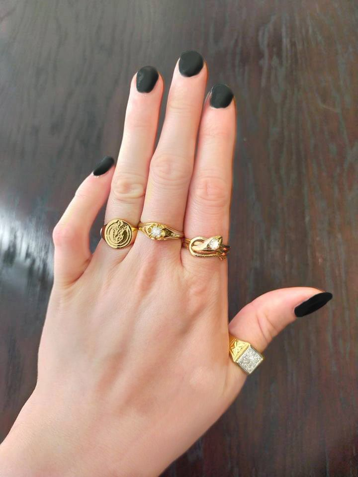 Women's Guide to Rings