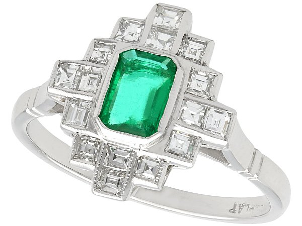 Unique Emerald Cut Engagement Rings
