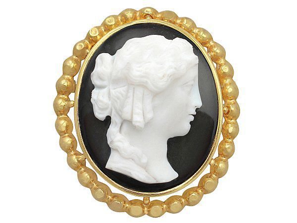 detailed cameo