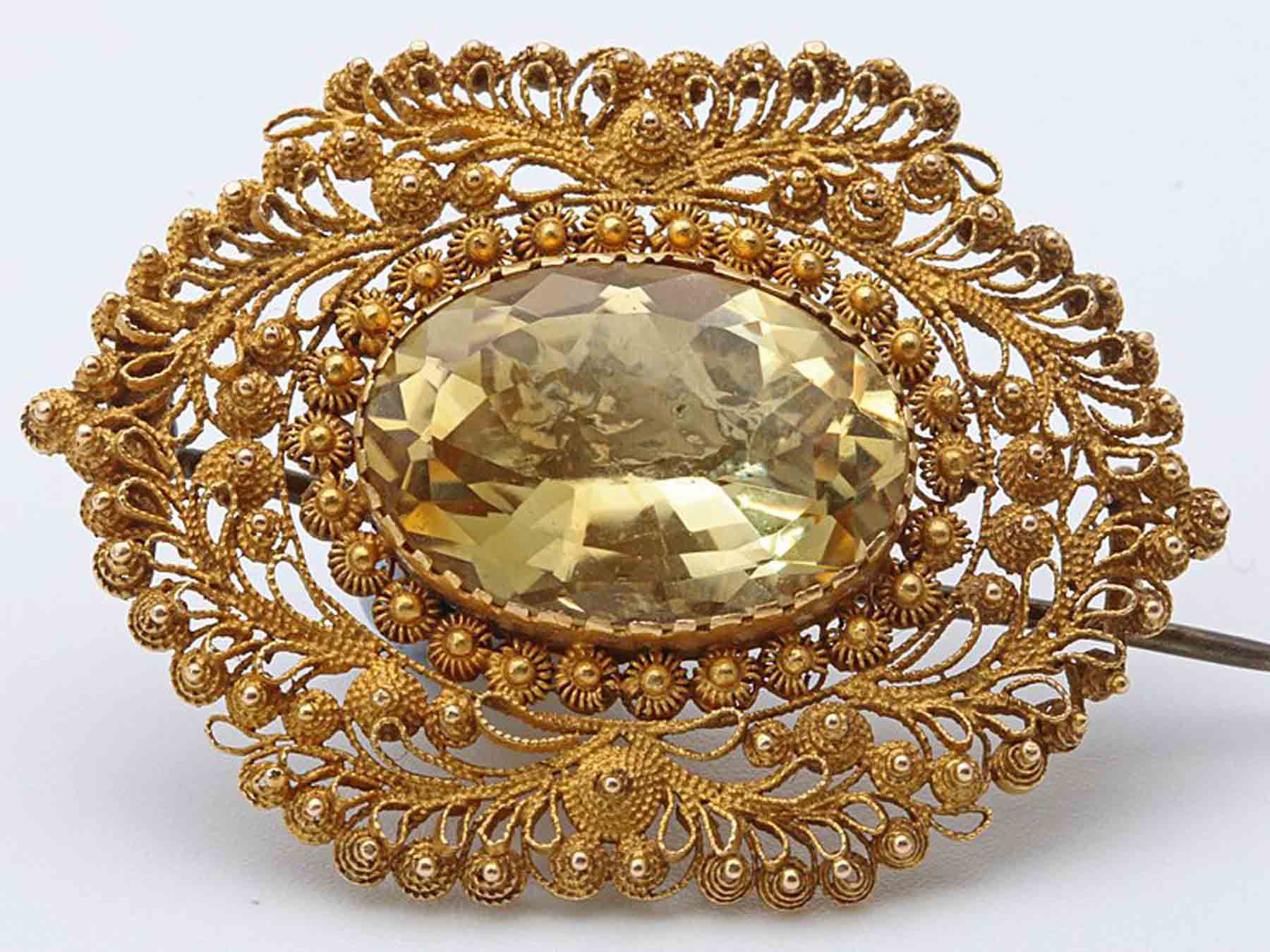 Goergian citrine brooch