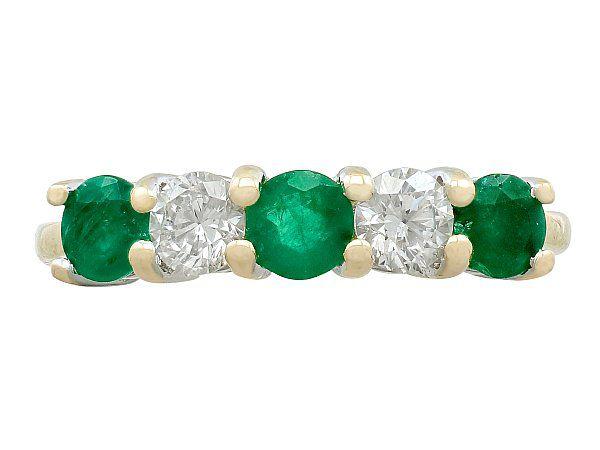 emerald engagement ring