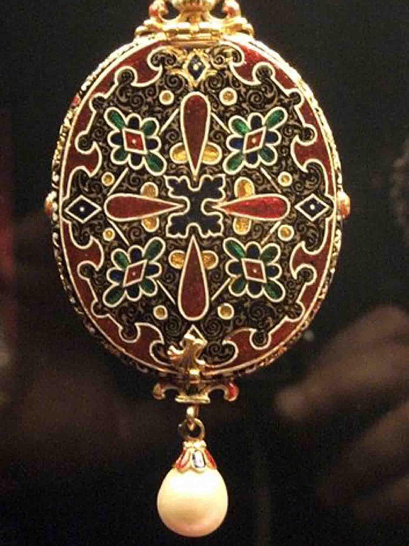renaissance style jewellery