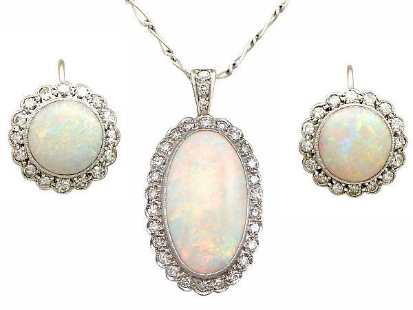 Opal Jewellery Set
