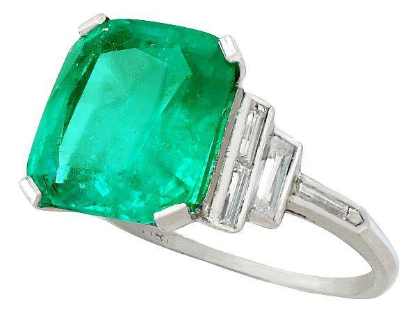 Emerald Dress Ring