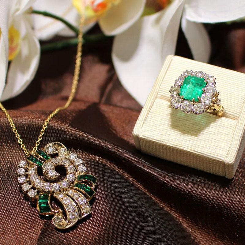1950s emerald jewellery