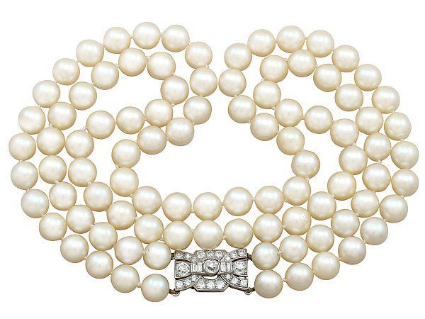 must have pearl necklaces for brides