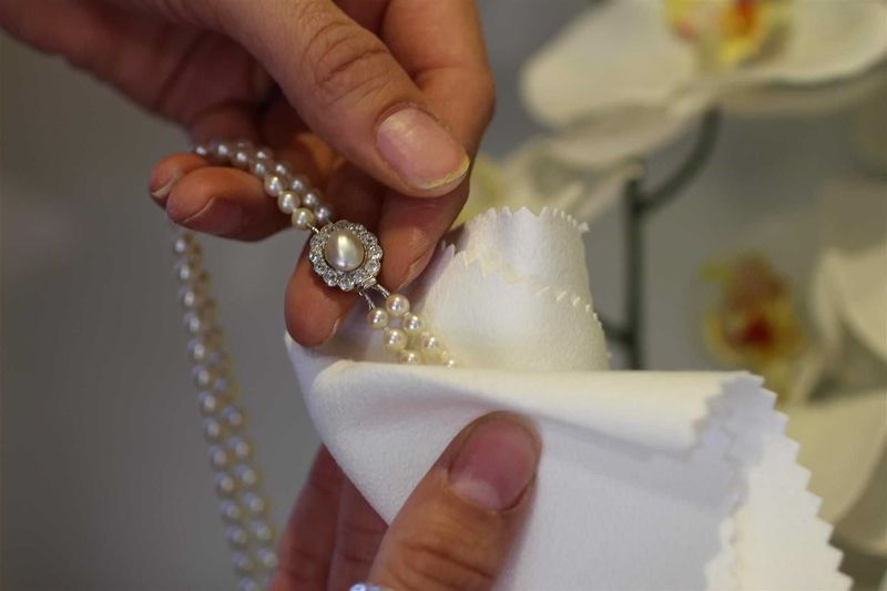 how to clean pearl jewellery