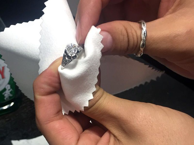 hand cleaning diamond
