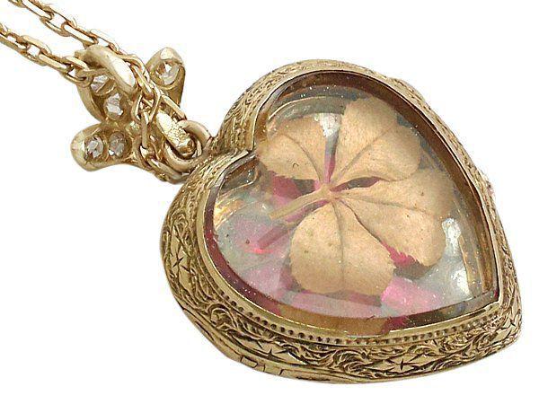 clover in heart pendant