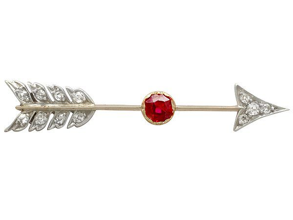 Arrow brooch