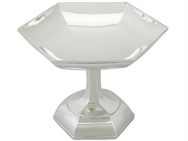 Walker and Hall tazza