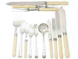 Sterling Silver Canteen of Cutlery for Six Persons - Antique George V (1923)
