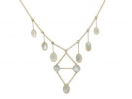 23.40 ct Moonstone and 12 ct Yellow Gold Necklace - Antique Victorian