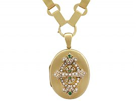 0.15 ct Emerald and Seed Pearl, 15 ct Yellow Gold Locket - Antique Victorian