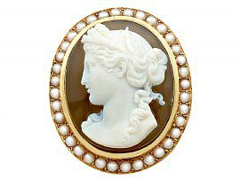 Agate and Seed Pearl, 18ct Yellow Gold Cameo Brooch - Antique French circa 1880