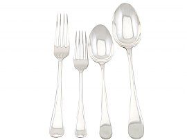 Sterling Silver Canteen of Cutlery for Eight Persons - Antique George V